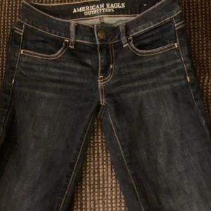 American Eagle Outfitters skinny jegging jeans